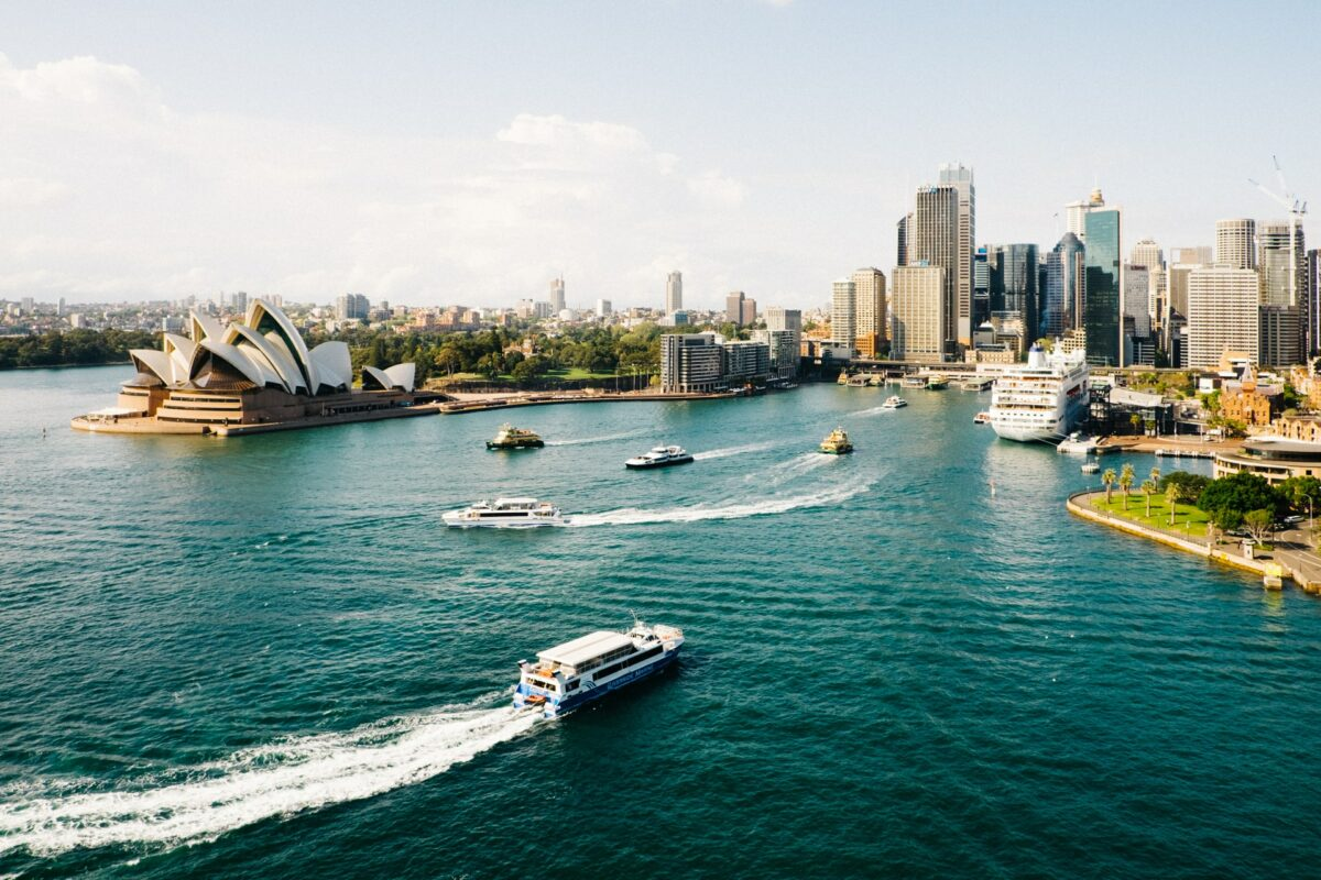 How To Travel To Australia On A Budget